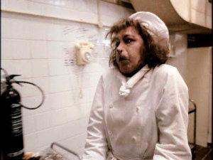 Bruja cocinera en la película Las Brujas