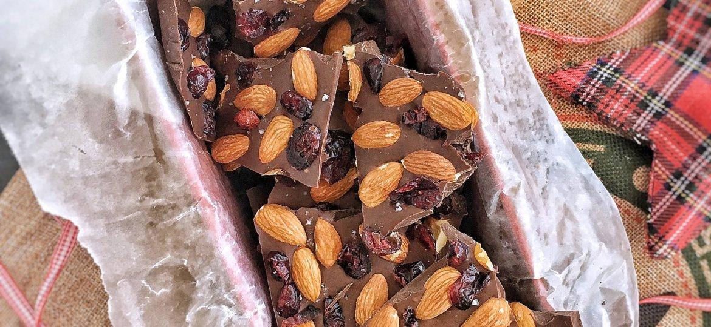Cómo preparar chocolates con almendras fáciles