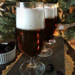 Receta de terciopelo negro: cocktail de champaña con cerveza