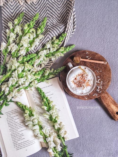 café latte con coco y miel