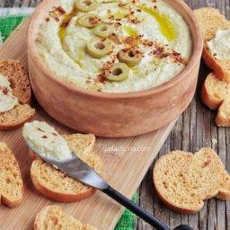 Cómo hacer hummus o humus con aceitunas