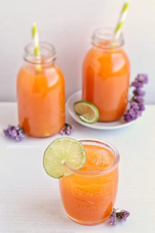Receta de limonada de zanahoria con jugo de uva