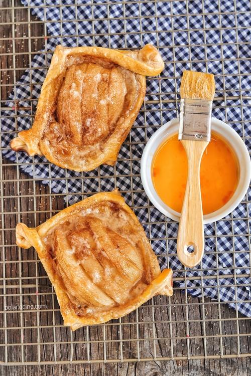 hojaldres fáciles de pera y caramelo