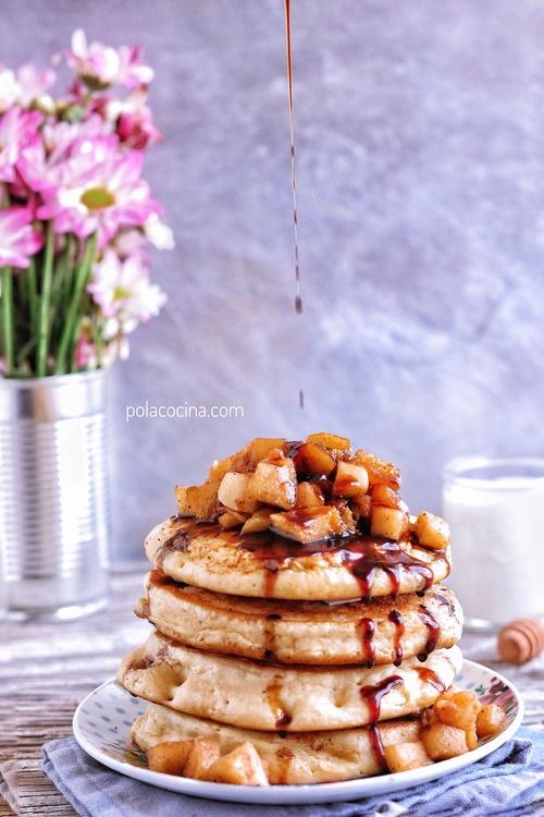 Hotcakes de manzana con canela