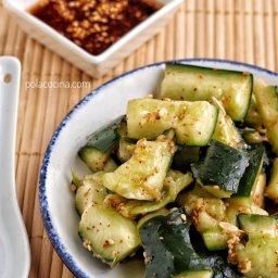 Cómo hacer ensalada de pepino con vinagre pepinillos