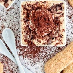 Receta de tiramisú italiano con mascarpone y chocolate