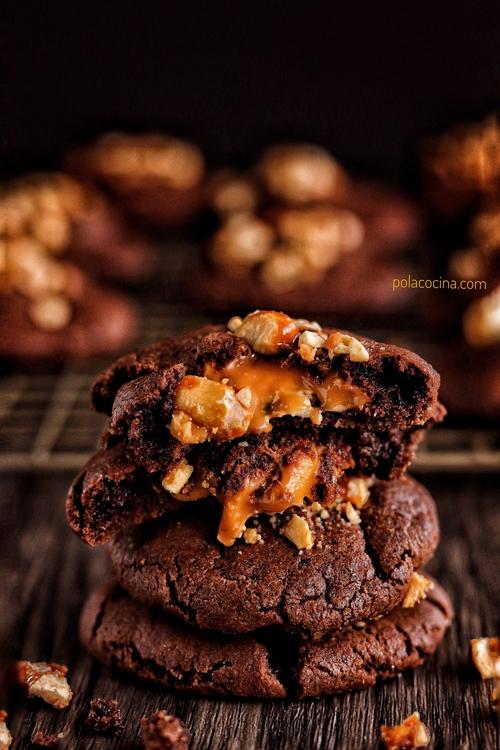 Cookies de chocolate con caramelo y cacahuate