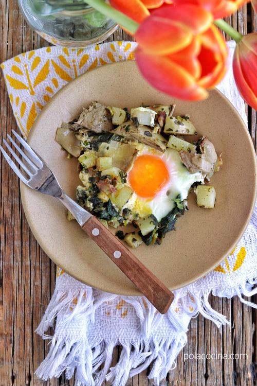 huevos con espinacas y alcachofas al horno receta fácil