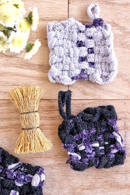 cómo hacer esponjas con calcetines reciclados