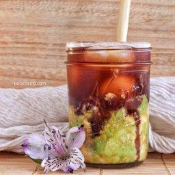 Café helado con aguacate