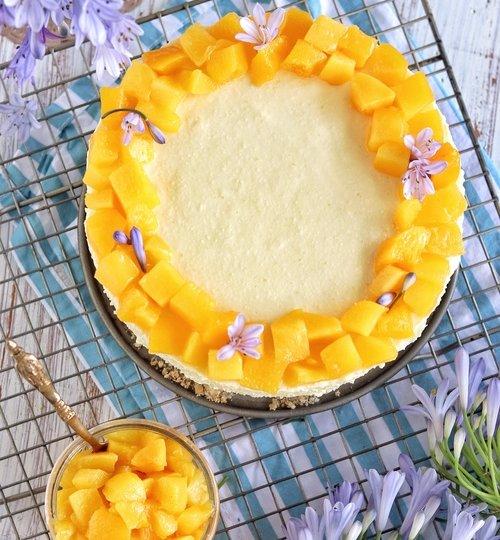 Cheesecake de rompope con duraznos