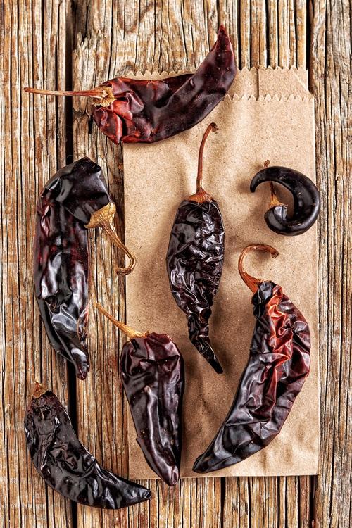 Qué son los chiles guajillos y cómo se cocinan
