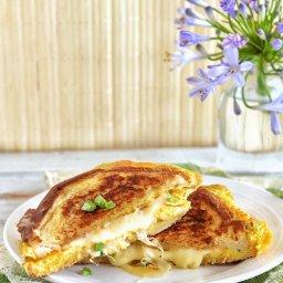 Sandwich y omelette en uno