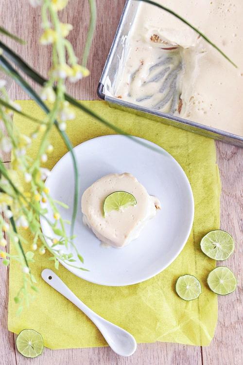Carlota de limón y galletas marías