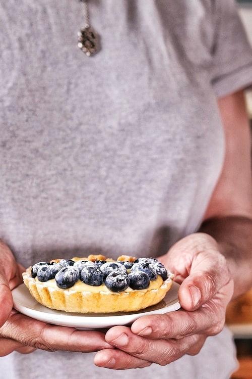 Tartas de limón y arándanos azules