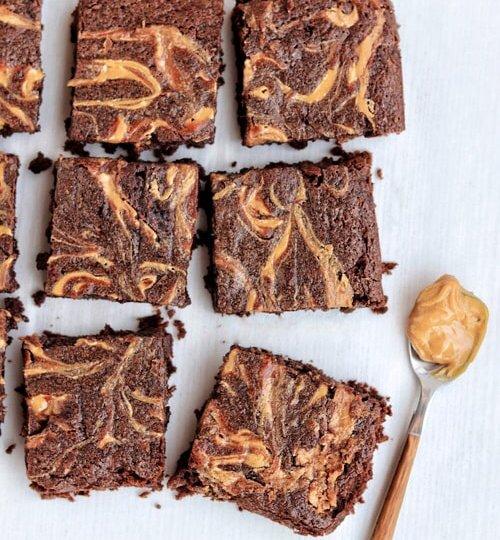 Brownies de chocolate con tahini