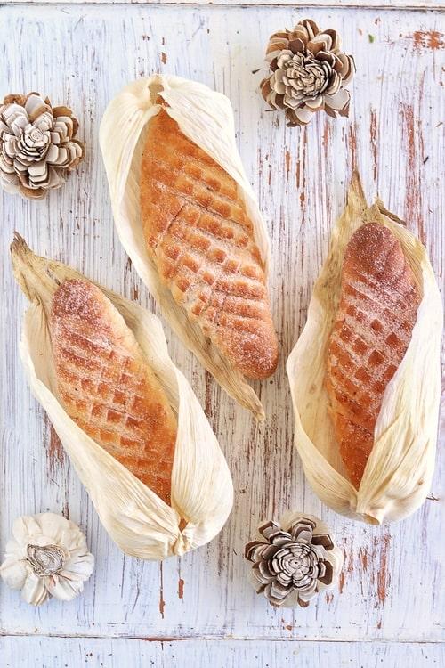 Elotes o cocodrilos de pan