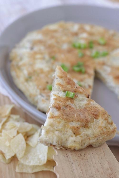 Tortilla española con chips de bolsita
