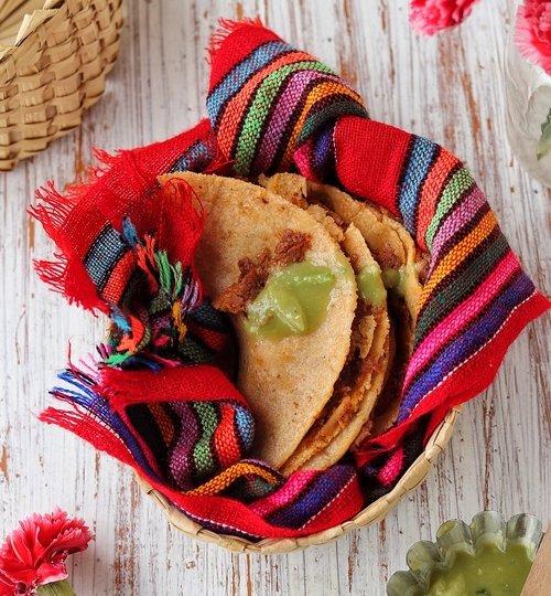 Tacos de canasta de chicharrón
