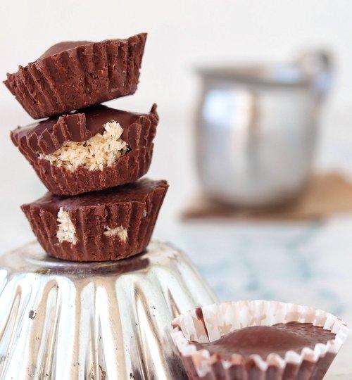 Chocolates con coco y almendra